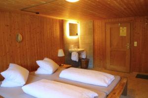 Doppelzimmer Blume mit Gemeinschaftsbad